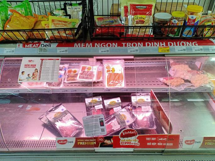 Người dân 'rồng rắn' xếp hàng tại siêu thị trước ngày Đà Nẵng thực hiện mạnh hơn Chỉ thị 16 - 13