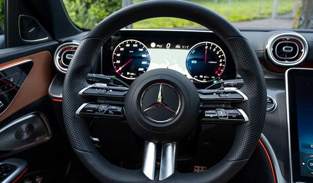 Mercedes-Benz C 300 AMG 2022 sắp về Việt Nam: Giá dự kiến 2,3 tỷ đồng, nhập châu Âu, nhiều trang bị mới đấu BMW 330i M Sport - 5