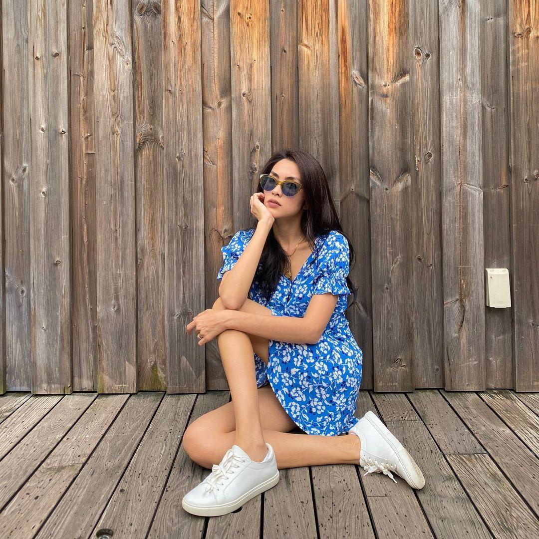 4 kiểu giày bệt được sao Việt U40 sắm nhiều nhất để hack tuổi, và mặc gì trông cũng sành điệu hơn - 4