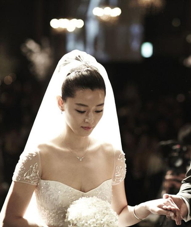 'Mợ chảnh' Jeon Ji Hyun và ông xã CEO bị bắt gặp cùng nhau làm 1 điều, qua đó hé lộ quan hệ hiện tại sau tin đồn ly hôn - 4