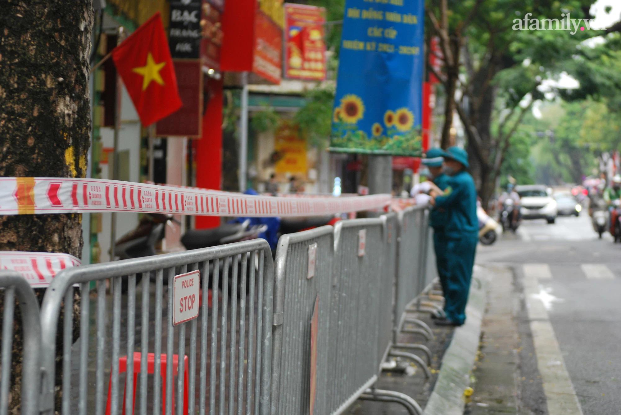 Hà Nội: Một người đàn ông tại 'ổ dịch cũ' dương tính SARS-COV-2, tạm thời phong tỏa dãy phố kinh doanh vàng - 3