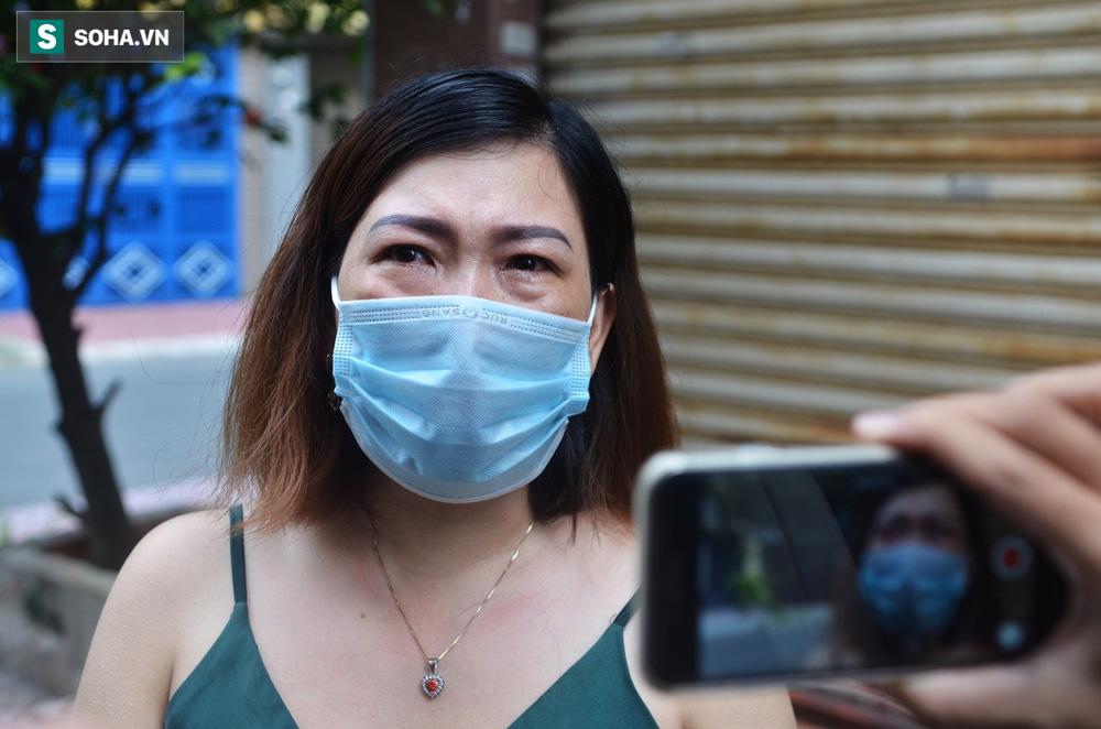 Người dân tìm tới nhà, bật khóc trước tin Phi Nhung mất: 'Con nói mà tui không tin, giờ là sự thật rồi!' - 2