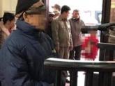 'Yêu râu xanh' 81 tuổi xâm hại bé gái hàng xóm
