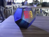 Intel ra mắt CPU thế hệ thứ 9, hỗ trợ chơi game tốt hơn