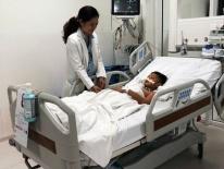 Vĩnh Long: Té xe điện tại khu vui chơi, bé trai 11 tuổi vỡ thanh quản nguy kịch