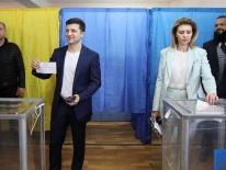 Bầu cử tổng thống Ukraine: Diễn viên hài Zelenskiy chắc thắng?