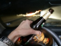 Lái xe sau khi uống 2 lon bia, nguy cơ tai nạn giao thông gấp 40 lần