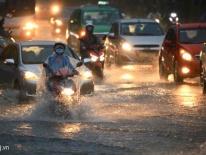 Sài Gòn mưa lớn trong 2 ngày tới, nhiều tuyến đường có thể ngập sâu