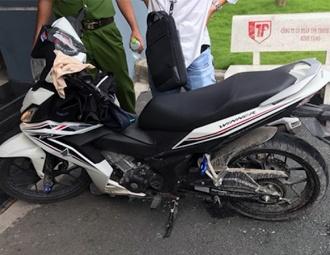 Thiếu niên đâm chết nam sinh chạy GrabBike vì mê xe tay côn