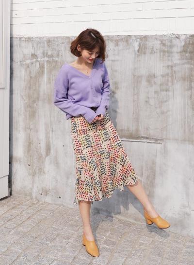 Cần gì đầu tư cầu kỳ, chân váy dài chính là 'bảo bối' hợp cả thời trang lẫn thời tiết dành cho nàng công sở - 2