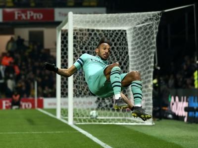 Clip: Aubameyang ghi bàn may mắn, Arsenal thắng nhạt Watford và trở lại Top 4