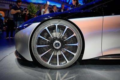 Mercedes Vision EQS dạy cho Tesla bài học về sedan điện hạng sang - 9