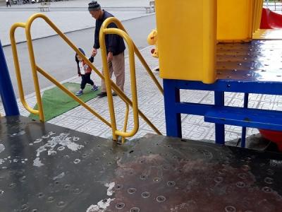 Hà Nội: Những 'bẫy' trò chơi nguy hiểm ở sân trường, khu vui chơi trẻ em - 11