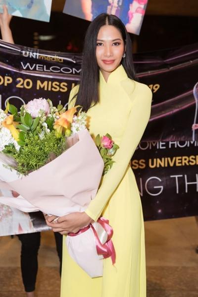 Hoàng Thùy rạng rỡ trở về từ Miss Universe, ôm chầm hoa hậu Khánh Vân ở sân bay - 5