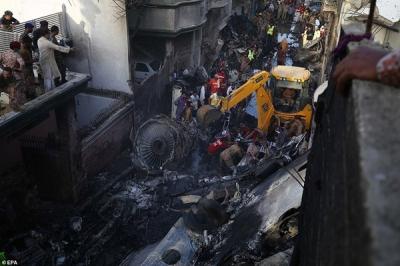 Nhiều sỹ quan quân đội có mặt trong vụ rơi máy bay tại Parkistan - 10