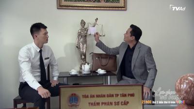 'Lựa chọn số phận' tập 6: Gã chồng tồi hối lộ thẩm phán Cường, Quang bị kẻ xấu ném bom bẩn ngay trước tòa - 1