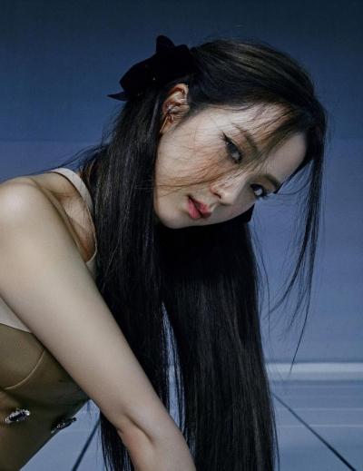Không xui như hot girl 'bắp cần bơ', nữ sinh 2K được khen nức nở khi cosplay Jisoo, có người nói visual chẳng kém gì bản gốc - 1