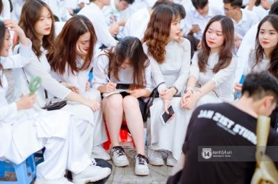 Đặc sản gái xinh Phan Đình Phùng (Hà Nội) lại khiến dân tình ngẩn ngơ trong lễ bế giảng - 15