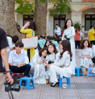 Đặc sản gái xinh Phan Đình Phùng (Hà Nội) lại khiến dân tình ngẩn ngơ trong lễ bế giảng - 18