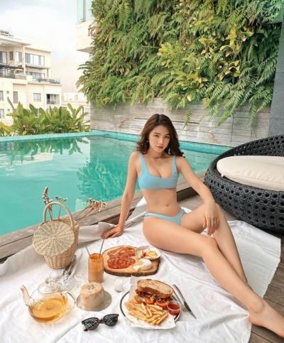Hoa hậu Jolie Nguyễn giàu có và nổi tiếng ra sao? - 2
