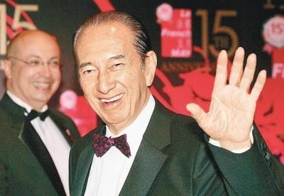 Vua sòng bài Macau dù sống thọ 98 tuổi, con đàn cháu đống, tài sản kếch xù nhưng đến khi qua đời vẫn không 'mua' được tâm nguyện cuối cùng - 1