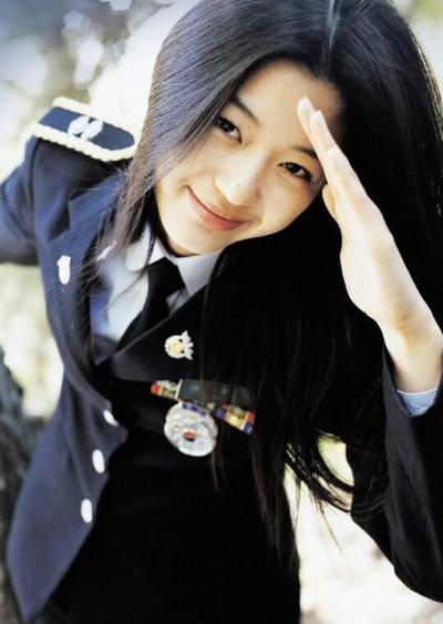 Dân tình sốt rần rần với loạt ảnh Jeon Ji Hyun - Son Ye Jin thời đỉnh cao, nhan sắc trải qua gần 2 thập kỷ vẫn không có đối thủ - 8