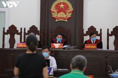 Xét xử phúc thẩm vụ Gateway: Nguyễn Thị Thủy khóc vì cho rằng án nặng - 1