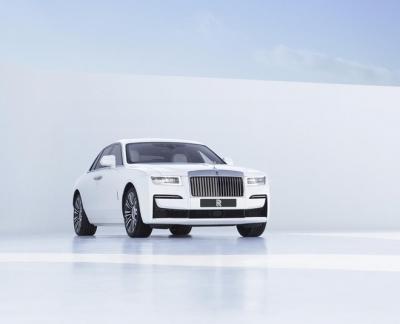 Rolls-Royce ưu tiên sang trọng hơn công nghệ - 2