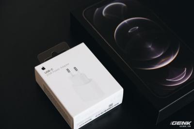 Không chỉ iPhone 12, ngay cả củ sạc Apple cũng cháy hàng, tăng giá tại Việt Nam - 4