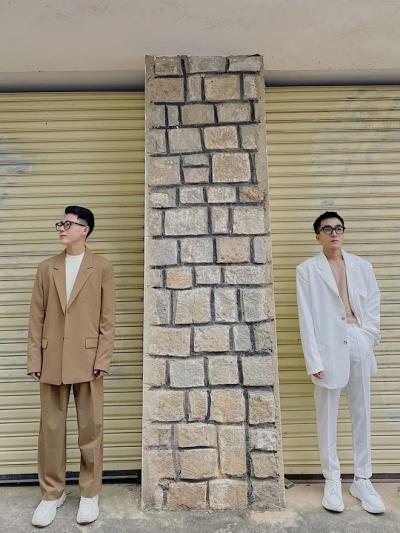 Trai đẹp tung bộ ảnh kỉ niệm 5 năm yêu: Tha 20 bộ quần áo lên Đà Lạt, ngày nào cũng dậy đi chụp hình từ 5h sáng - 12