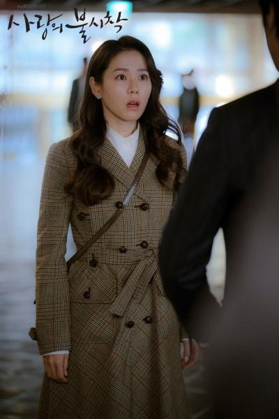 Hyun Bin và Son Ye Jin chính là couple diện áo khoác dáng dài đỉnh nhất, càng ngắm càng thấy đẹp đôi và đẳng cấp - 5