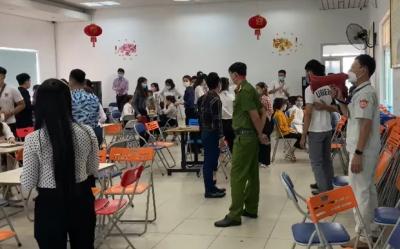 Hơn 100 khách hàng, nhân viên công ty kinh doanh đa cấp tụ tập giữa dịch Covid-19, bất chấp lệnh cấm ở Đà Nẵng