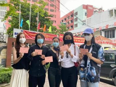 Sao Việt nô nức đi bầu cử: Tiểu Vy, Huyền My dậy sớm làm 'thanh niên gương mẫu', Khánh Vân từ Mỹ cũng hào hứng hưởng ứng - 4