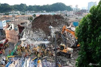 Nhà cao tầng đổ sập ở Hàn Quốc, nhiều người thiệt mạng