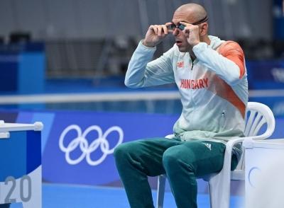 Vừa giành HCV Olympic, kình ngư Trung Quốc bất ngờ cúi đầu trước đối thủ ngoại quốc, nguyên nhân đằng sau khiến ai cũng cảm phục - 3