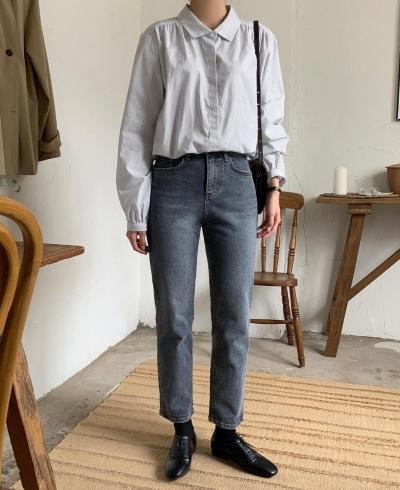 Kiểu quần jeans yêu thích của Victoria Beckham lại khiến cô bị dìm chân 'ngắn một mẩu', chị em thấy thì đừng mua - 8